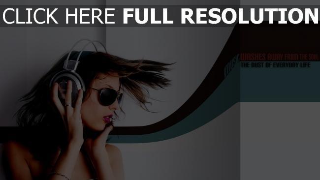 fond d'écran hd cheveux bruns écouteurs lunettes de soleil