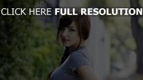 brunette australie maquillage tendre cheveux longs