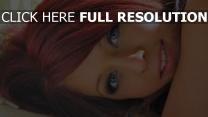 roux yeux bleus visage chérie