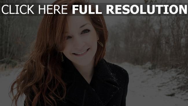 fond d'écran hd cheveux clairs manteau hiver sourire