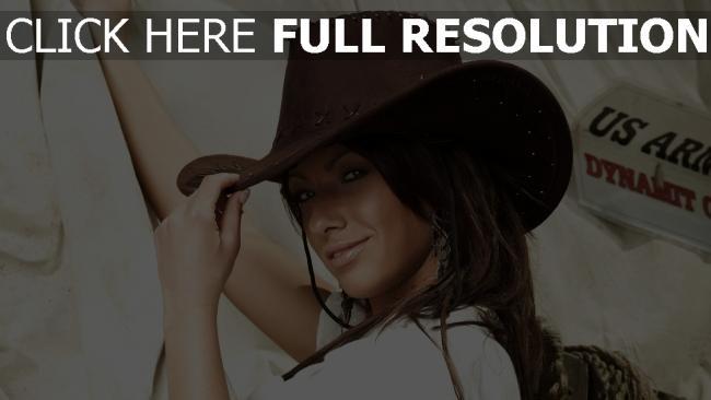 fond d'écran hd cheveux bruns chapeau de cow-boy sourire