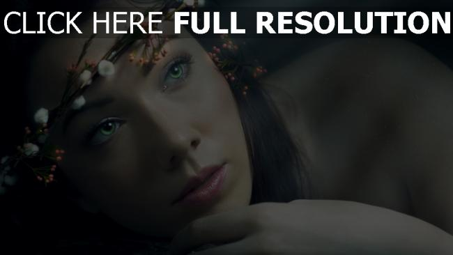 fond d'écran hd yeux verts couronne tendre visage