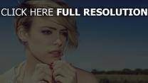emma watson coiffure blond mascara