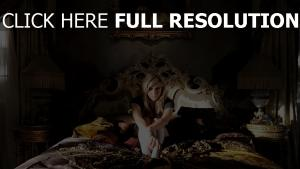 blond chambre triste