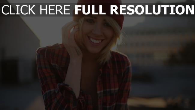 fond d'écran hd blond sourire chapeau chemise