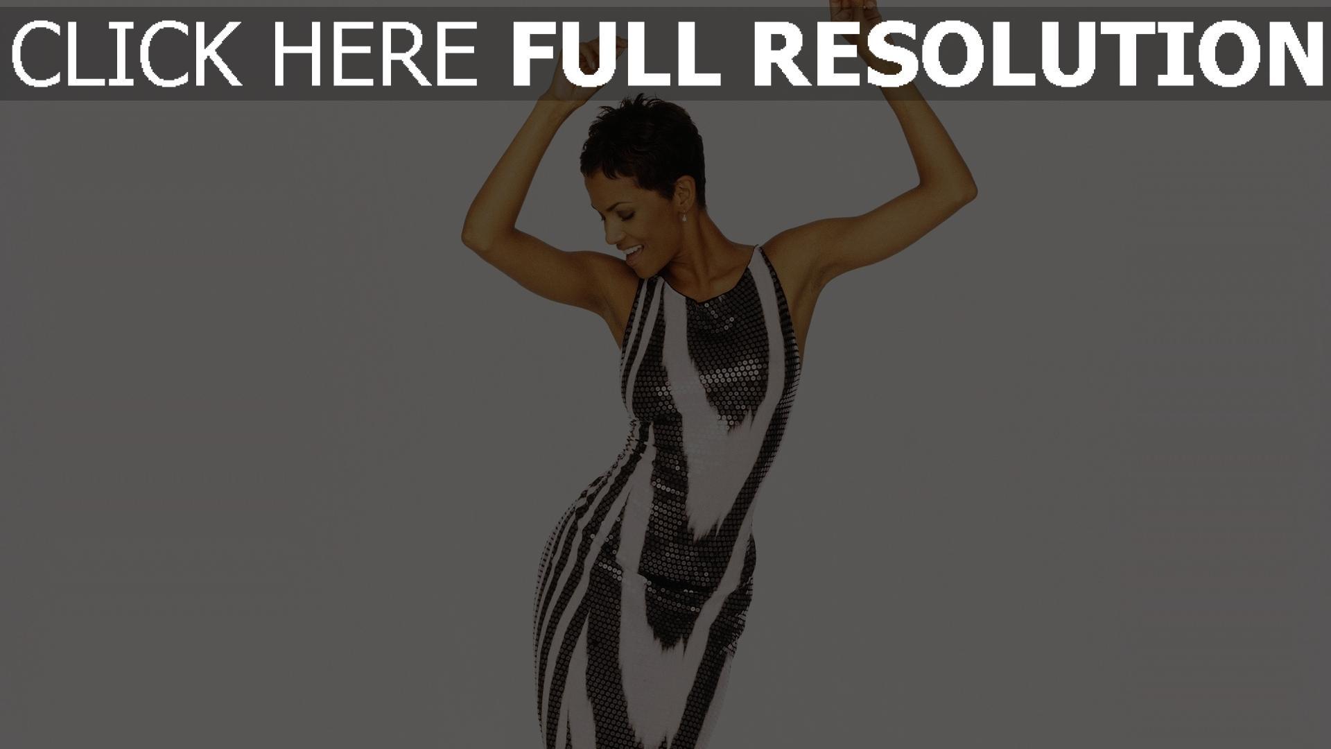 fond d'écran 1920x1080 halle berry robe brillante danse geste actrice