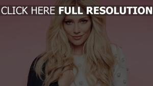 hilary duff actrice visage cheveux longs