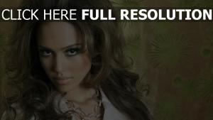 jessica alba regard maquillage coiffure actrice