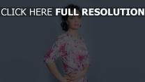 julia akhmedova coiffure robe belle