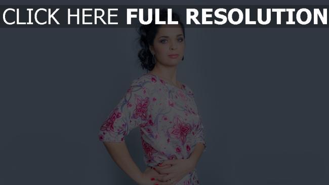 fond d'écran hd julia akhmedova coiffure robe belle