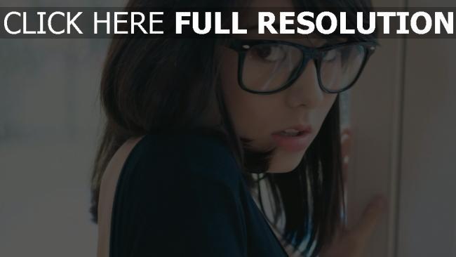 fond d'écran hd laura badura lunettes tendre
