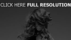 leona lewis sensuel noir et blanc chanteuse