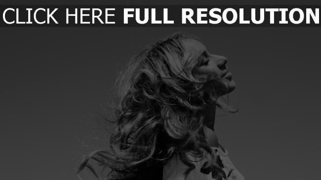 fond d'écran hd leona lewis sensuel noir et blanc chanteuse