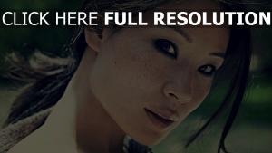 lucy liu taches de rousseur visage belle