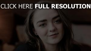maisie williams naturel visage actrice
