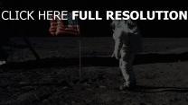 astronaute drapeau lune
