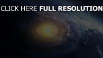 explosion nucléaire vue aérienne planèt