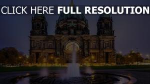 cathédrale de berlin vue de face fontaine
