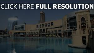 dubai centre commercial piscine
