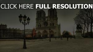 notre-dame de paris cathédrale vue de face nuageux