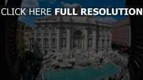 fontaine de trevi vue d'en haut statue rome