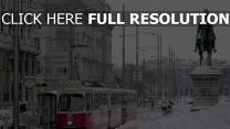 vienne rue couverts de neige statue