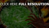 potion chaudron feu sorcière