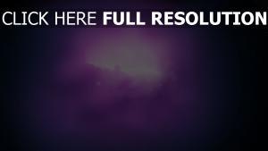 nébuleuse pourpre nuage illuminée