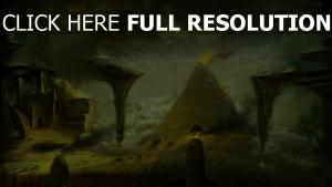 pyramide sinistre nuageux feu