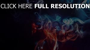 fumée multicolore rouge bleu