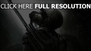 metro 2033 guerrier armure pensif